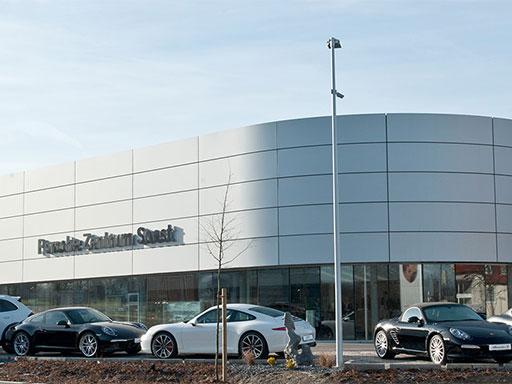 Hier geht es zu den Bildern von unserem Umbau im Porsche Zentrum.